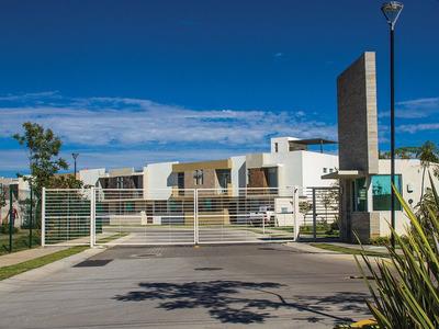Desarrollo Los Nísperos, Casas Nuevas En Jalisco