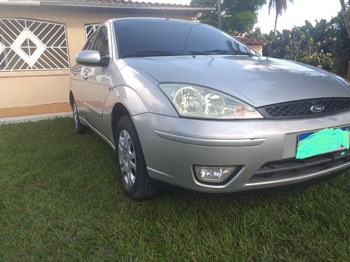 Ford Focus Sedan 1.6 Glx 4p 2006