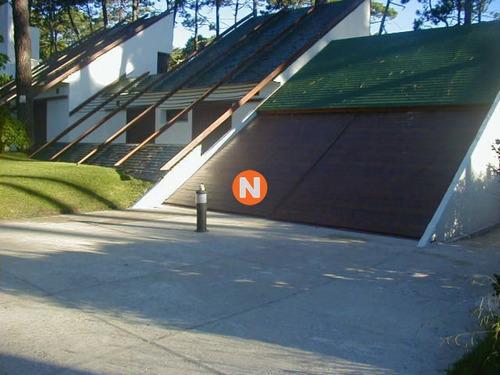 Casa En Venta Y Alquiler, Mansa, Punta Del Este, 5 Dormitorios.- Ref: 205352