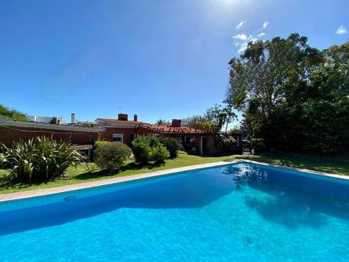 Venta Casa De 3 Dormitorios En Playa Mansa - Ref: 14720
