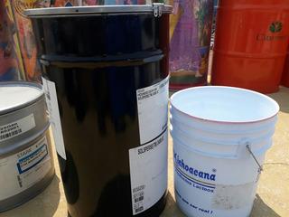 Tambito De Metal Para 60 Litros Color Negro Con Tapa