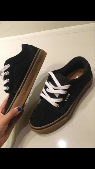 Tennis Vans Chukka Low Preto