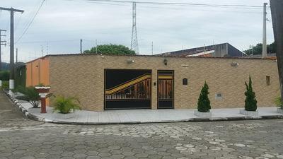 Casa De 3 Dormitórios E Piscina Em Mongaguá