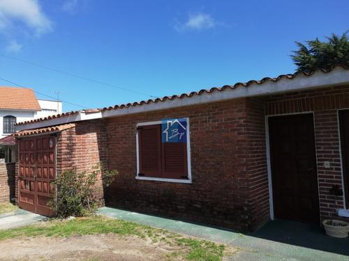 Casa En Venta, Playa Mansa, Punta Del Este- Ref: 928