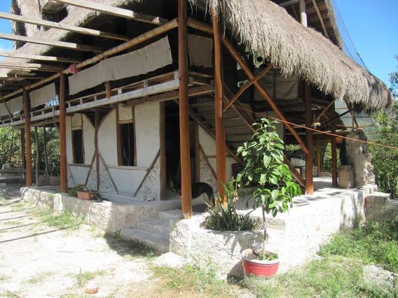 Terreno De 11,000m2 Con Casa En La Laguna De Bacalar