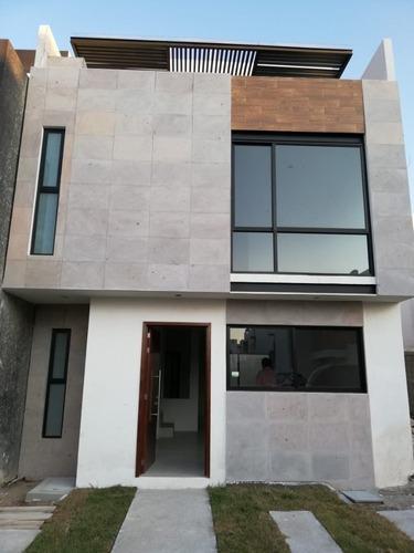 Casa Nueva En Segura Privada, Tres Recamaras Y Terraza