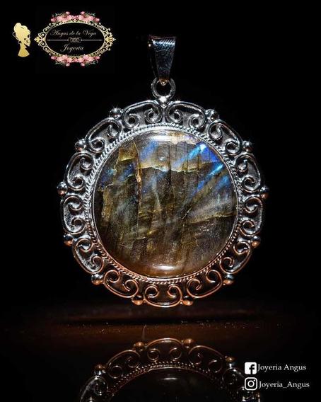 Dije Amuleto Con Piedra Labradorita En Plata.925