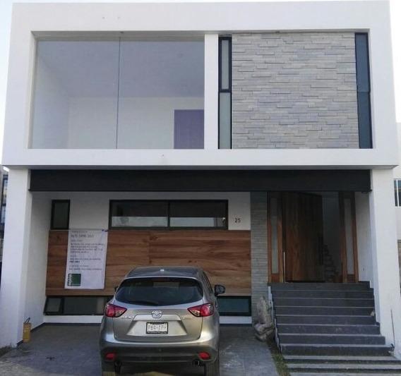 Hermosa Casa 3recs, 1famroom, 1estudio, 1 Ctoservicio. Zanté