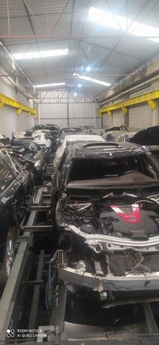 V40 T4 Dynamic Hatch