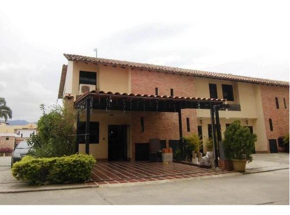 Townhouse En Venta El Guayabal Naguanagua 20-2806 Gz