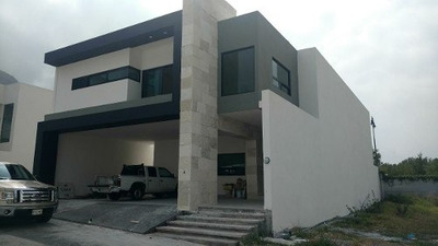 Casa Residencial En Venta Fracc Privado Laderas Carretera N.