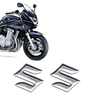 Par Emblema Cromado Resinado Suzuki Tanque Moto Universal