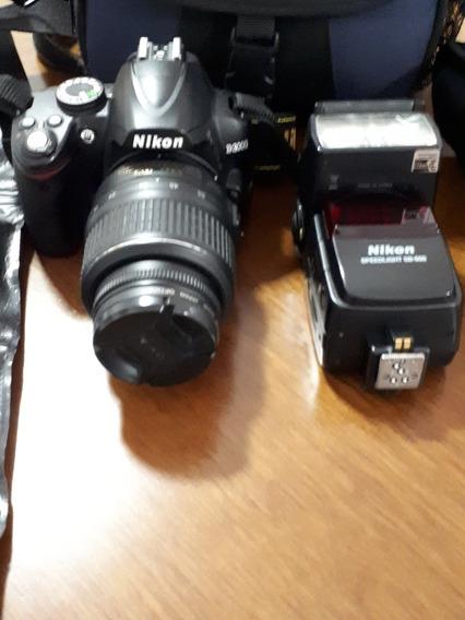 Câmera Fotográfica Digital Nikon D3000