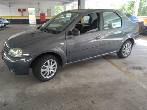 Imagem 1 de 4 de Renault Logan 2010 1.0 16v Expression Hi-flex 4p