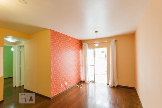 Apartamento No 5º Andar Com 2 Dormitórios E 1 Garagem - Id: 892952503 - 252503