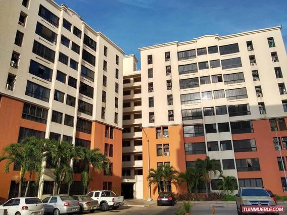 Apartamento En Venta Nuevo Bosque Alto Maracay 19-9856
