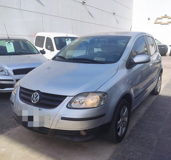 Volkswagen Fox Highline Usado 2009 Financia #4