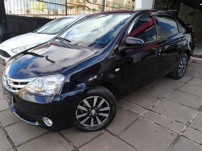 Toyota Etios 1.5 Sedan Platinum 2014 Preto Flex
