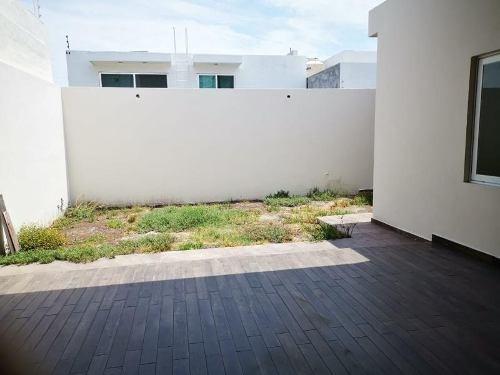 Casa Sola En Venta Residencial Esmeralda