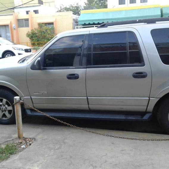 Ford Expedition V8