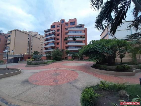 Apartamento En La Urb. El Bosque, Maracay, Aragua