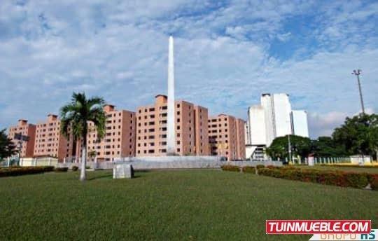 Apartamento En El Conjunto Residencial La Placera, Av. Boliv