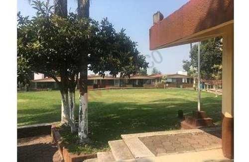 Venta De Escuela, En Zona Norte De Cuernavaca, Morelos