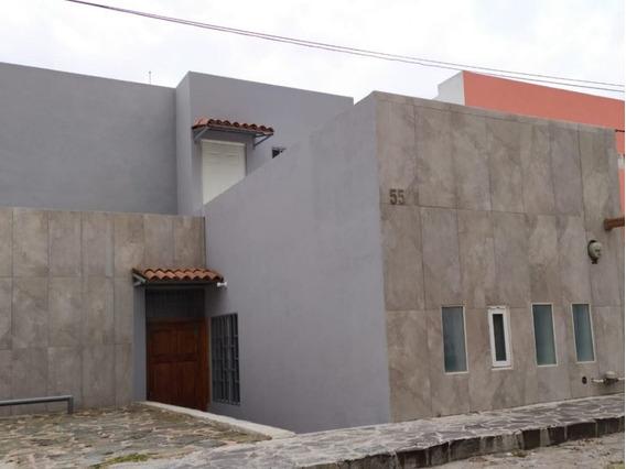 Casa De Piedra Y Plata