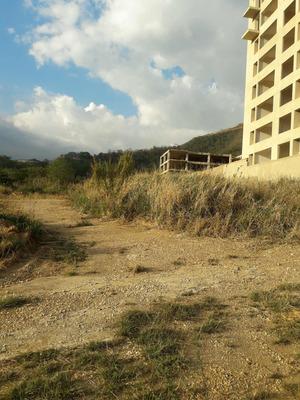 Terreno Residencial En Jardín Mañongo. 371 M2.
