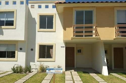 Hermosa Casa Habitacion En Tlajomulco Con Casa Club