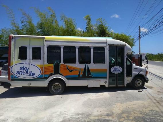 Ford E450 Autobus
