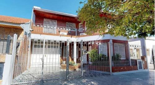Casa Venta 3 Dormitorios, 2 Baños Y Terreno 10 X 27,5 Mts -275 Mts 2- Ringuelet