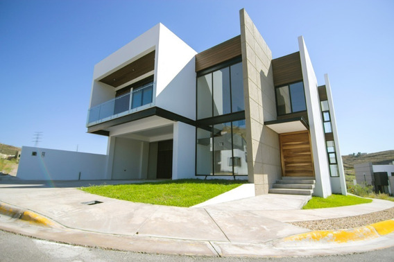 Hermosa Casa Nueva En Esquina, Proyecto Moderno, Acabados De Primera Muy Iluminada Espacios Amplios,