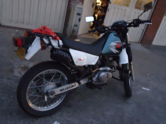 Moto Dr 200