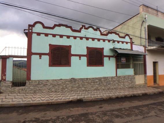 Casa Com 3 Quartos Para Comprar No Centro Em Nepomuceno/mg - Nep961