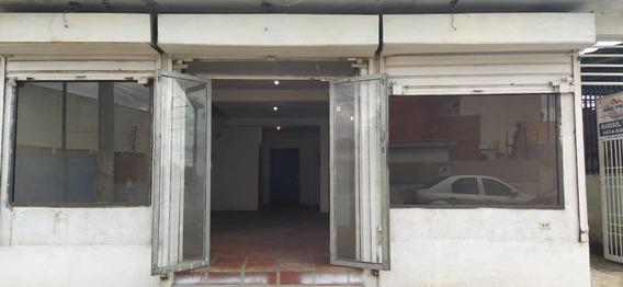 Local Comercial En La Av 18, Frente Al Iutepal Maracaibo