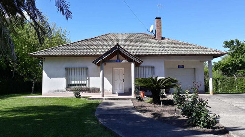 Imagen 1 de 14 de Casa Quinta De Gran Categoría - Permuta Por Depto En Caba