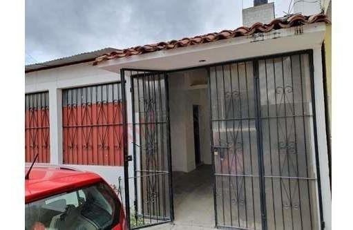 Casa En Venta En Fracc. La Ilusión A Espaldas De La Universidad Salazar Narvaez
