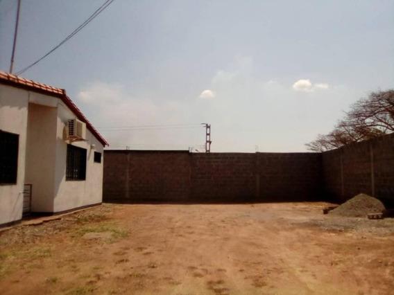 En Venta Casa En Acarigua Rah 20-10765