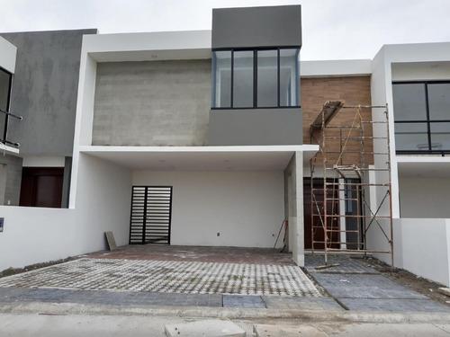 Imagen 1 de 12 de Lomas Del Sol, Casa En Venta Con Vista Al Mar