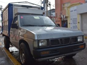 Nissan Pick-up D21 Estacas 96