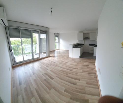Vendo Apartamento 2 Dormitorios Con Garaje Al Frente 6to