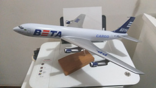 Lote De 2 Maquetes De Aviões. Boeing 707 E 757