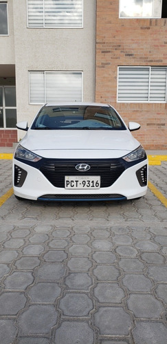 Hyundai Ioniq Híbrido At