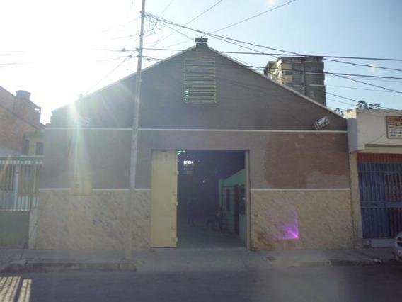 Galpones En Venta En Centro Barquisimeto Lara 20-6244