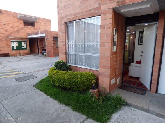 Vendo Casa Torre Campo Engativa Mls 20-444