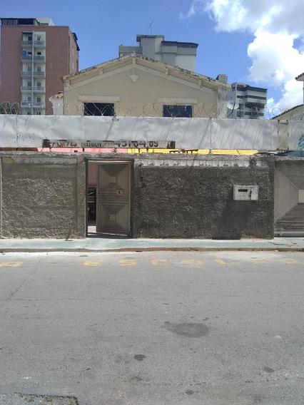 Casa En Venta En El Paraíso Caracasas