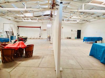 Bodega/almacén En Venta Chapala Amplio Potencial Comercial!