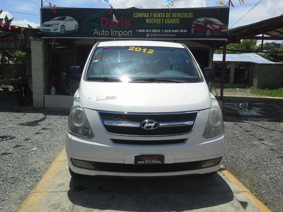 Hyunda H1 2012 Minivan