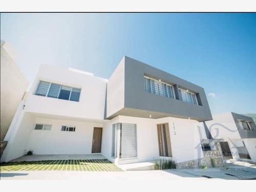 Casa Sola En Venta Residencial Punta Diamante